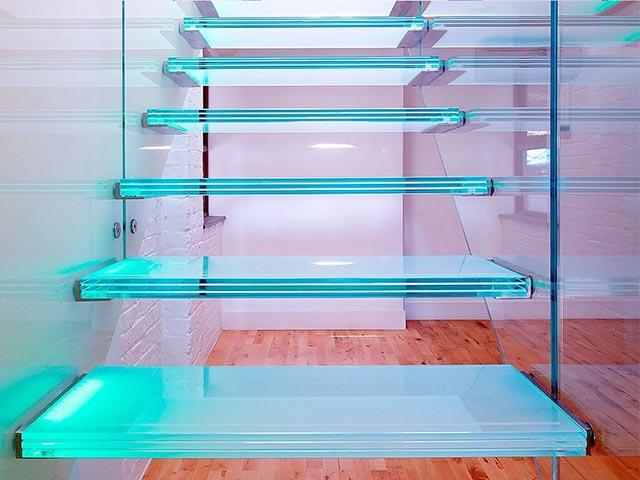 Купить стеклянную лестницу в Минске
