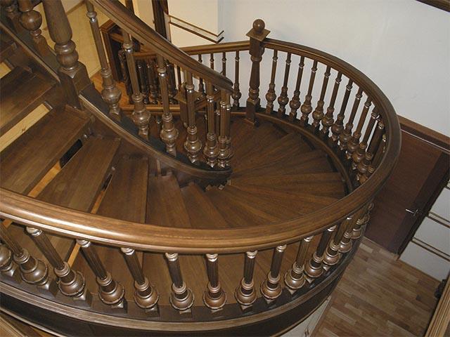 Выбрать винтовую лестницу под заказ