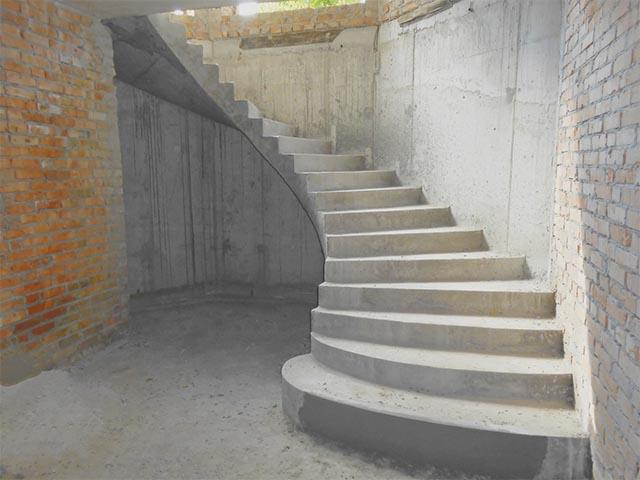 Бетонная лестница купить
