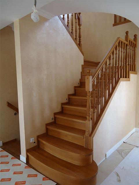 Дубовая цена лестница
