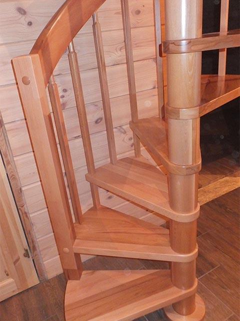 Фото винтовых лестниц на второй этаж