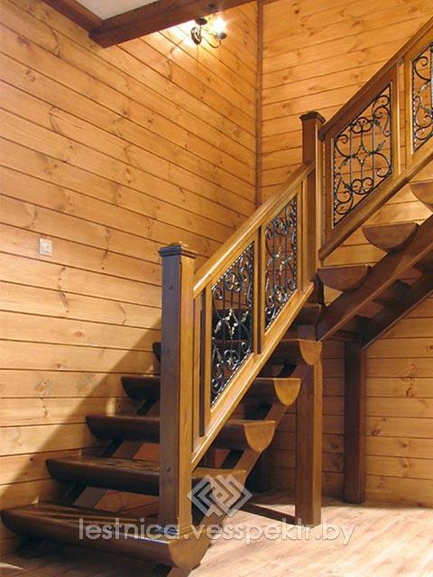 Комбинированная-лестница с элементами ковки