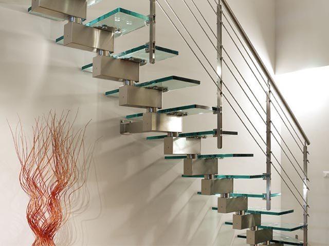 Купить лестницу из стекла