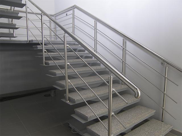 Купить металлическую лестницу на второй этаж