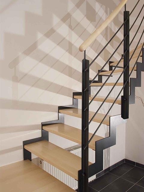 Лестница из металла фото цены