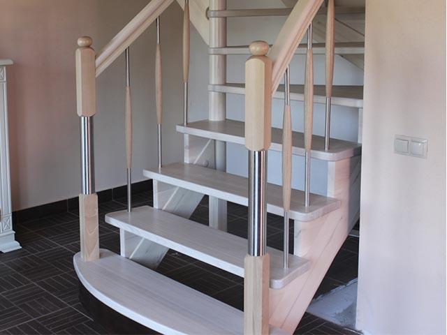 Лестница комбинированная белая