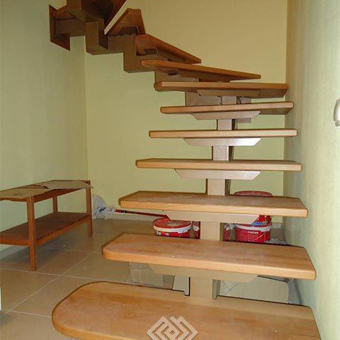 Лестница комбинированная на монокосоуре