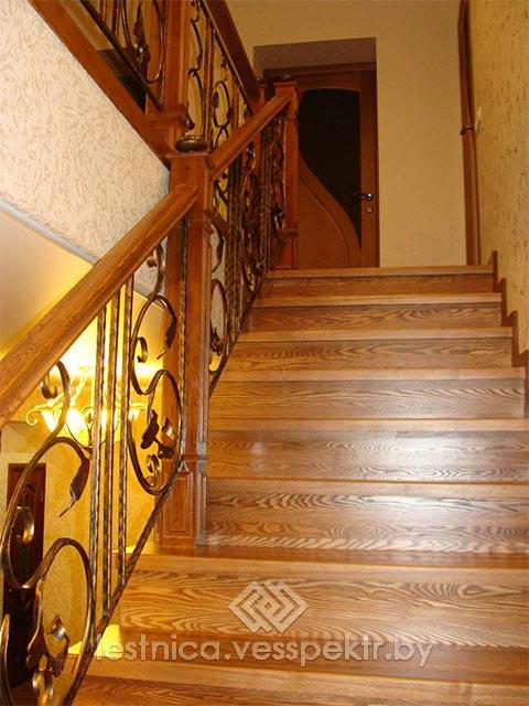 Лестница комбинировнная в Гродно с ковкой