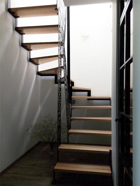 Лестница на боковом косоуре