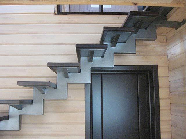 Металлическая лестница под заказ