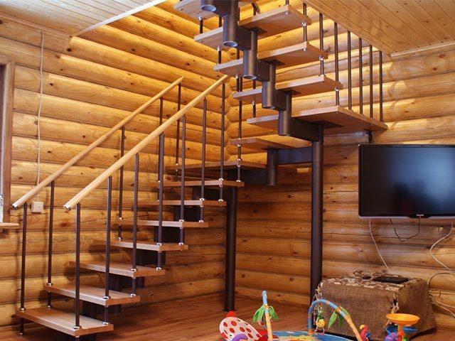 Модульная лестница с поворотом