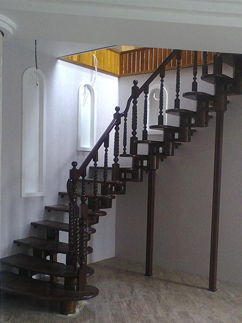 Модульные лестницы с поворотом на 90 градусов