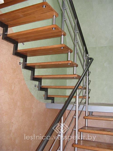 Производство лестниц на больцах