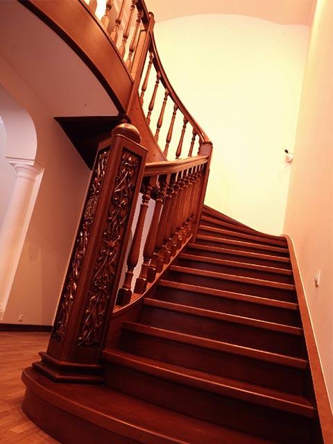 Рассчитать дубовую лестницу