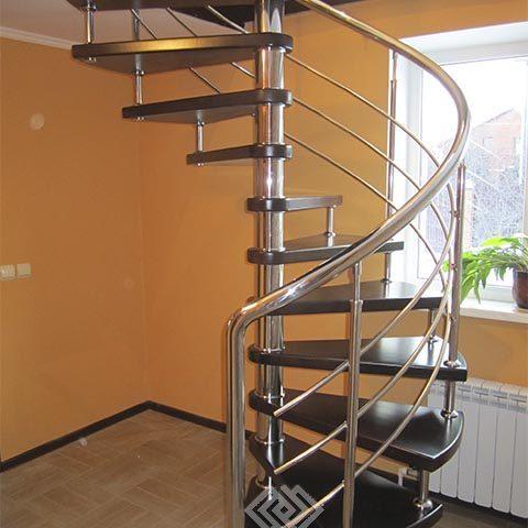 Рассчитать лестницу на больцах на второй этаж