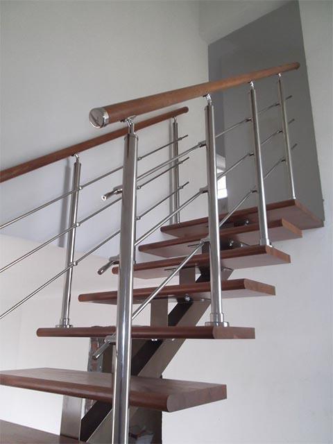 Рассчитать лестницу на косоурах