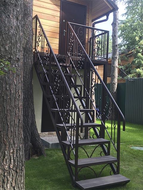 Сколько стоит лестница из металла