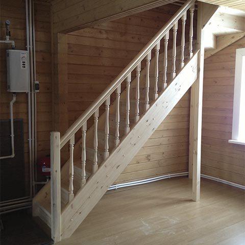Сосновая лестница под заказ