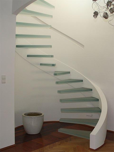 Стеклянная лестница заказать