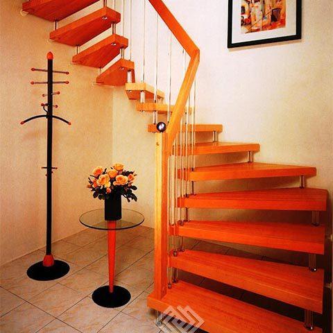 Стоимость лестницы на больцах на второй этаж