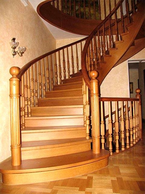 Винтовая деревянная лестница цена