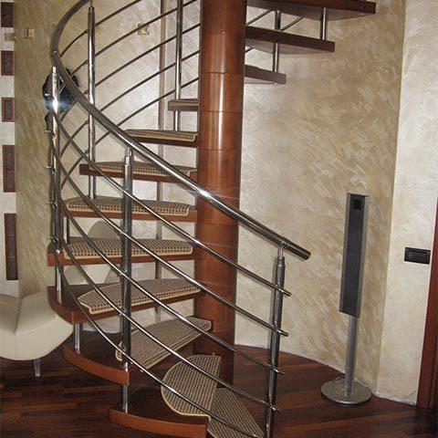 Винтовая лестница на второй этаж недорого