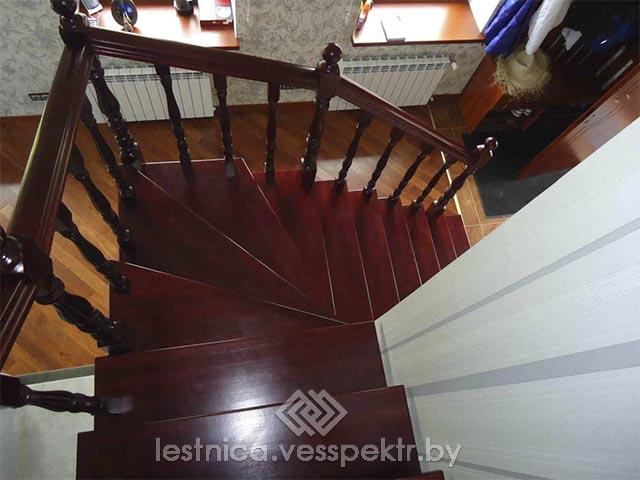 Монтаж ступеней деревянной лестницы