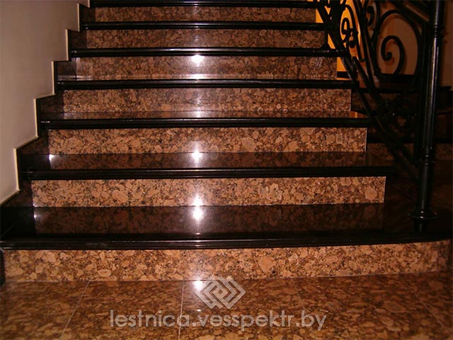 Монтаж ступеней лестницы