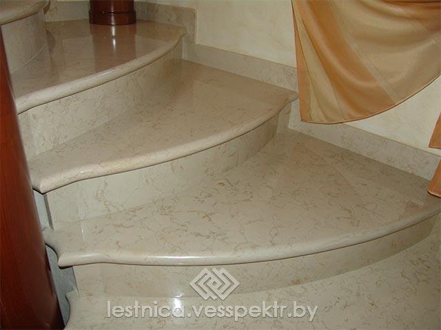 Ступени из белого камня для лестницы
