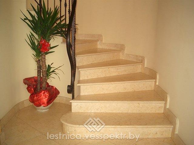 Ступени из натурального камня для лестницы