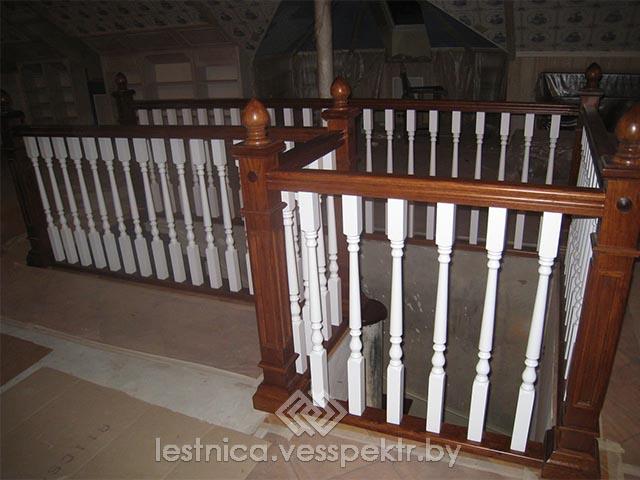 Установить деревянную балясину