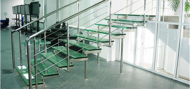 Лестницы стеклянные
